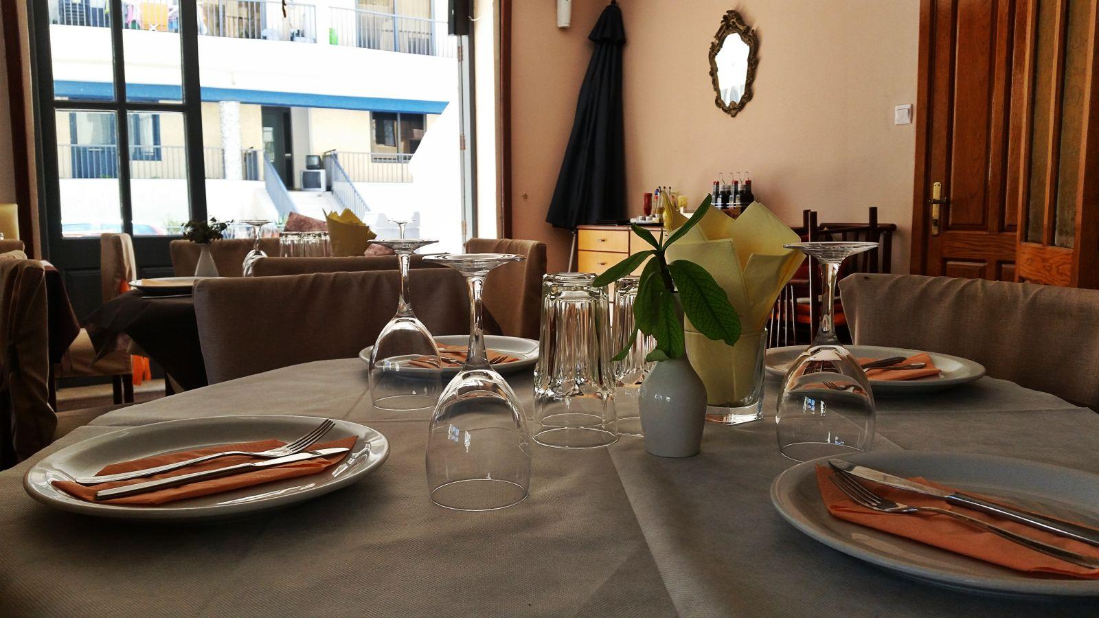 Zoya Restaurant Opening Times